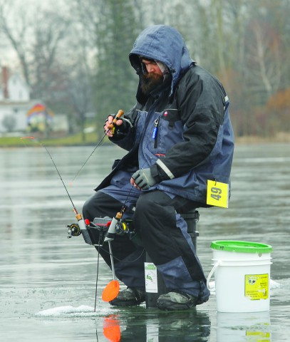 2016 midwest open ice fishing tournament photo gallery for Ice fishing tournament